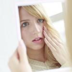 鏡を見る回数を意識的に増やして、ナルシストくらい自信を持とう!